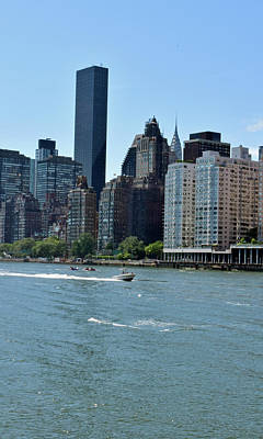 Photograph - View Of Manhattan From Roosevelt Island by Sandy Taylor