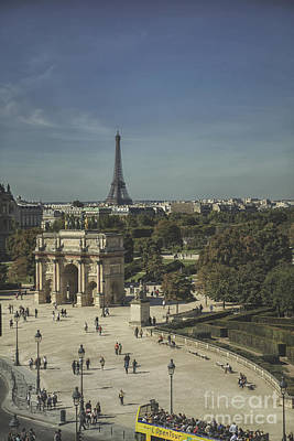 Photograph - View On Eiffel Tower And Arc De Triomphe Du Carrousel by Patricia Hofmeester