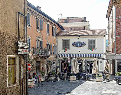 Photograph - View To The Main Square Tavernelle Umbria by Dorothy Berry-Lound