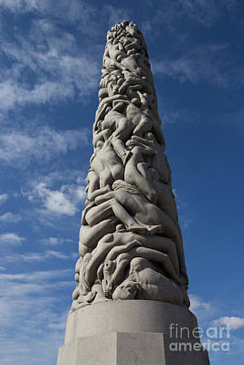 Photograph - Vigeland Sculpture by Suzanne Luft