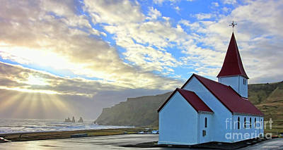 Photograph - Vik Church 7020 by Jack Schultz