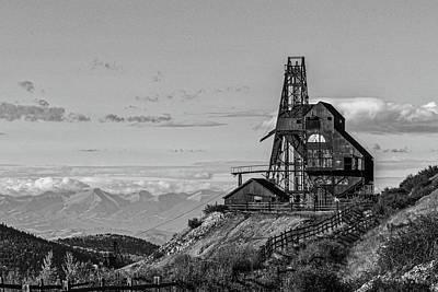 Photograph - Vindicator Mine Bw by Ernie Echols