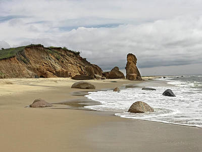 Green Photograph - Vineyard Beach by Donna Doherty