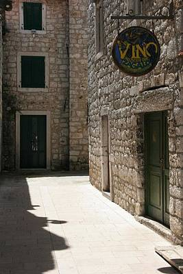 Vino Bar Original by Jan Novak