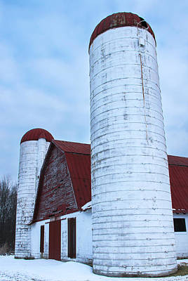 Barns In Snow Photograph - Vintage Barn And Silos by Amy Sorvillo