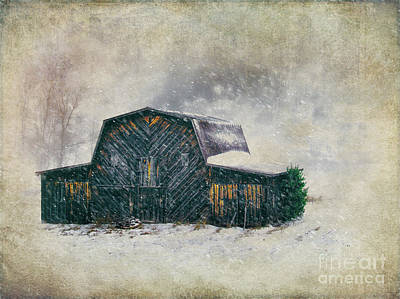 Photograph - Vintage Barn In The Snow Fx by Dan Carmichael