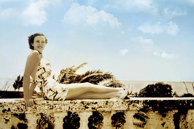 Photograph - Vintage Beach Beauty by Susan Leggett