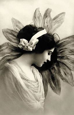 Femininity Painting - Vintage Beauty by Georgiana Romanovna