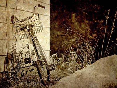 Snow Banks Photograph - Vintage Bicycle In Winter. by Kelly Nelson