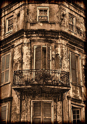 Photograph - Vintage Building In Nola by Judy Vincent