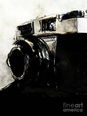 Vintage Camera Mixed Media - Vintage Camera Iv by Eric Rasmussen