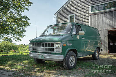 Vintage Barns Photograph - Vintage Chevy Van by Edward Fielding