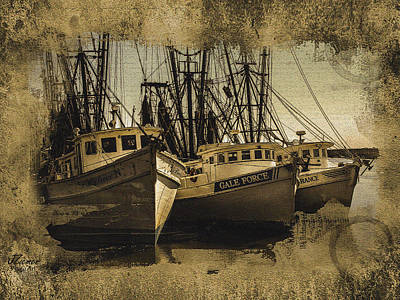 Photograph - Vintage Darien Shrimpers by Jim Ziemer