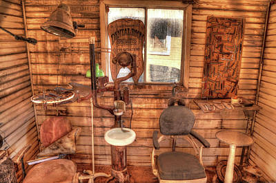 Photograph - Vintage Dental Room by Donna Kennedy