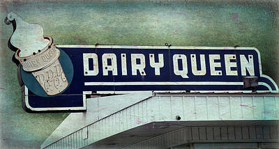 Photograph - Vintage Dq Sign by Leslie Montgomery