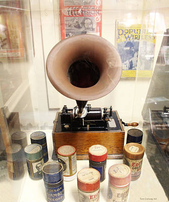 Photograph - Vintage Edison Cylinder Phonograph  by Tom Conway