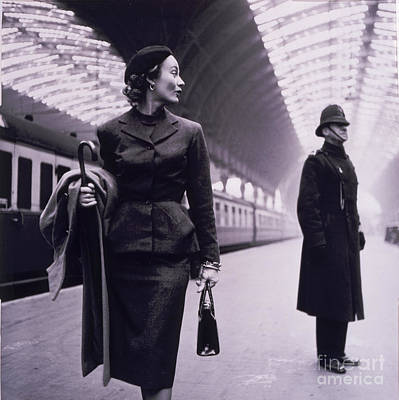 Station Painting - Vintage Fashion Elegant Lady by Mindy Sommers