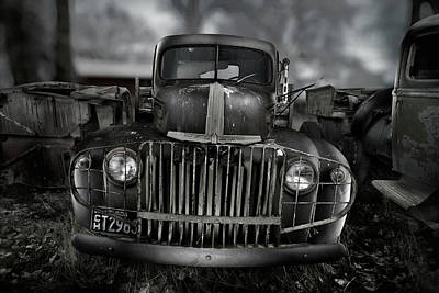 Photograph - Vintage Ford Truck by Yo Pedro
