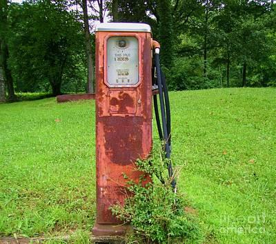 Photograph - Vintage Gas Pump by Donna Dixon
