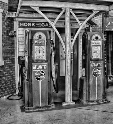 Vintage Gas Station Bw Art Print