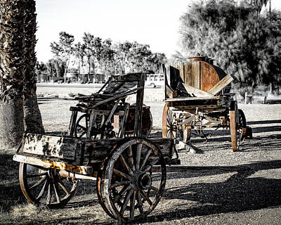 Photograph - Vintage Horse Drawn Cart by Gene Parks