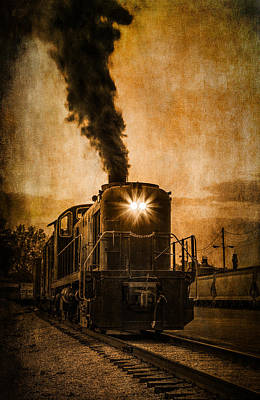 Photograph - Vintage Locomotive by Dale Kincaid