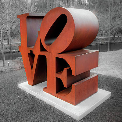 Indiana Photograph - Vintage Love Sculpture - Crystal Bridges Museum Of Art 1x1 by Gregory Ballos