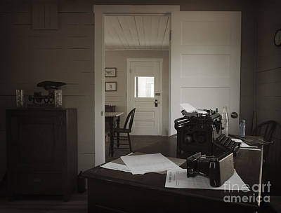 Photograph - Vintage Rendition Of Inside The Sunburst House by Debra Fedchin