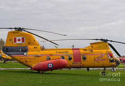 Photograph - Vintage Transport And Rescue Helicopter - Boeing Vertol Ch113 by Les Palenik