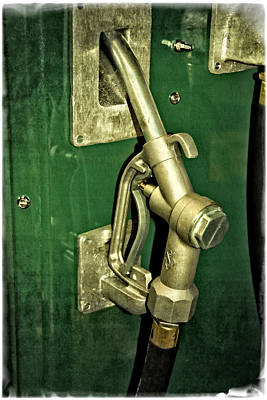 Photograph - Vintage Sinclair Dino Gas Pump by Mike Martin