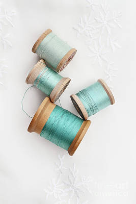 Photograph - Vintage Spools Of Thread by Stephanie Frey
