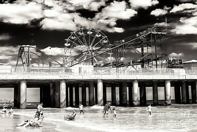 Vintage Steel Pier At Atlantic City Art Print