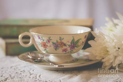 Photograph - Vintage Teacup - 5676 by Teresa Wilson