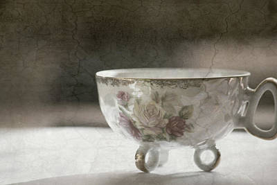 Mixed Media Still Life Photograph - Vintage Teacup by Bonnie Bruno