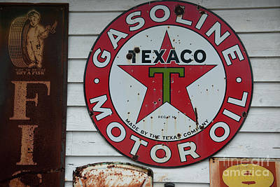 Photograph - Vintage Texaco Gasoline Motor Oil by Dale Powell