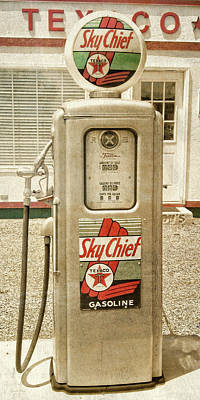 Photograph - Vintage Texaco Skychief Gas Pump by David King