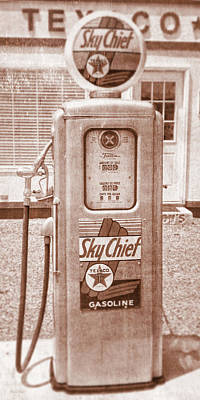 Photograph - Vintage Texaco Skychief Gas Pump Sepia by David King