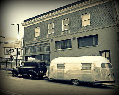 Modern Sophistication Beaches And Waves - Vintage Trailer in Crockett by Steve Natale