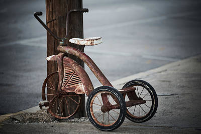 Photograph - Vintage Tricycle by Jonathan Davison