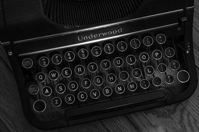 Underwood Typewriter Photograph - Vintage Underwood Typewriter Black And White by Terry DeLuco