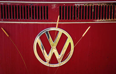 Photograph - Vintage Vw Bus Logo by Marilyn Hunt