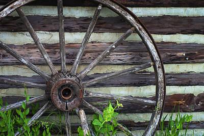 Wagon Wheel Hub Wall Art - Photograph - Vintage Wagon Wheel by Donald  Erickson