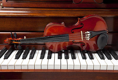 Keyboards Photograph - Violin On Piano by Garry Gay