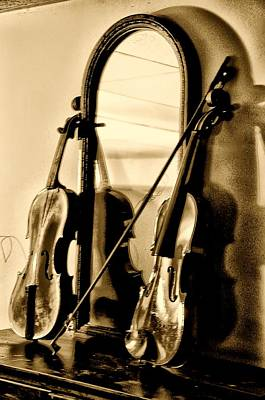 Violin Digital Art - Violins by Bill Cannon