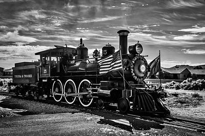 Virgina Photograph - Virgina Truckee Steam Train 25 by Garry Gay