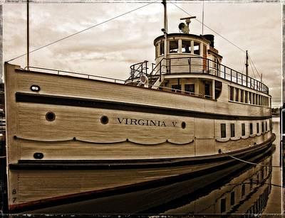Photograph - Virginia V by Thom Zehrfeld