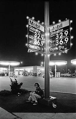 Photograph - Vn Blvd.-073-34 Mobil Gasoline Sign by Richard McCloskey