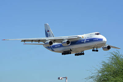 Print featuring the photograph Volga-dnepr An-124 Ra-82068 Landing Phoenix Sky Harbor June 15 2016 by Brian Lockett