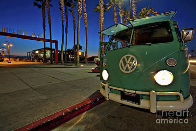 Volkswagen Bus At The Imperial Beach Pier Art Print