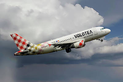 Barcelona Photograph - Volotea Airbus A319-112 by Smart Aviation